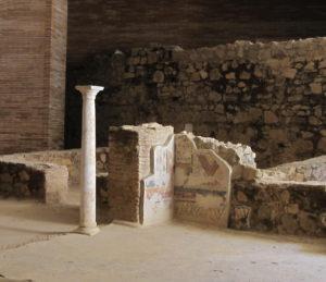 Romeinse zuil en deel van fresco