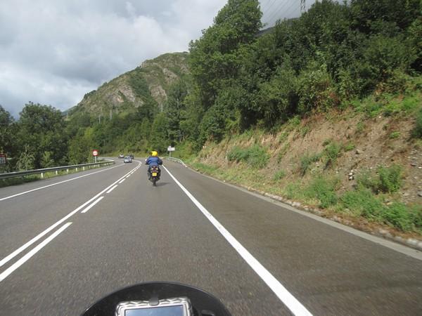 Aragon op de motor 17, Frankrijk in