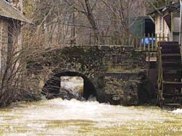 Veel te hoog kolkend water bij een watermolen