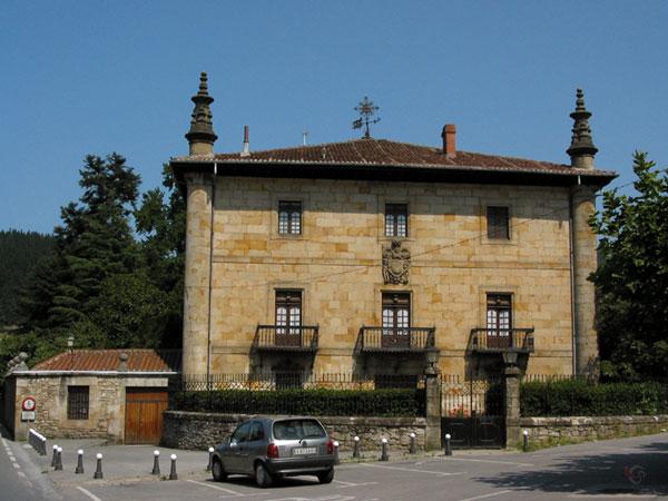Baskisch vierkant huis