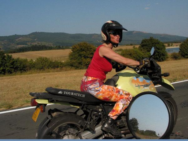 Sylvia op R1100GS, in zomerkleren