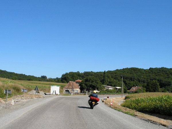 Gravelweg met Baskisch huis