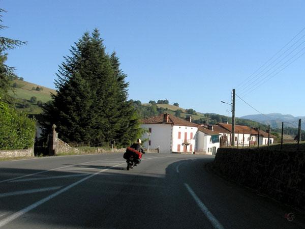 Witte huizen met rode daken