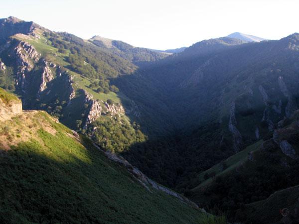 Woest berglandschap