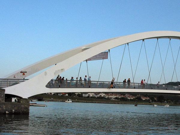 Handstandje op de brug
