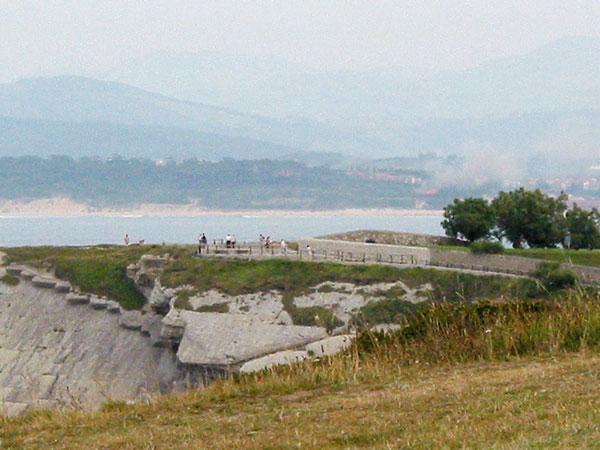 Uitzicht over Santander, en rook