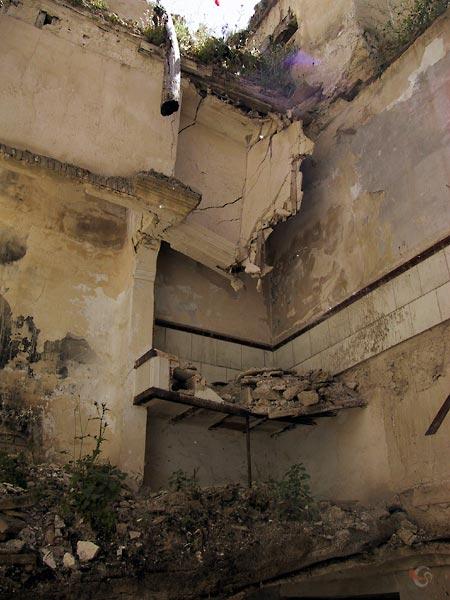 Vervallen gebouw zonder dak