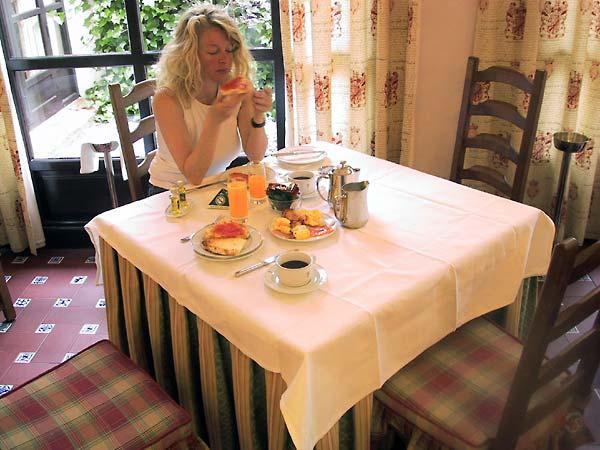 Sylvia aan het ontbijt