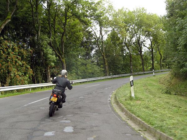 nu Duitse rijden in de buurt Heenvliet
