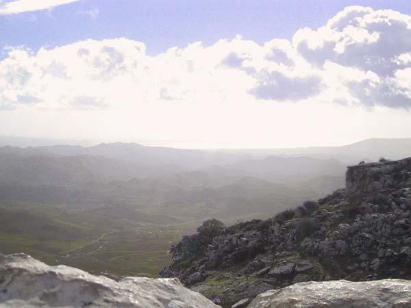 Uitzicht over de witte rotsen heen