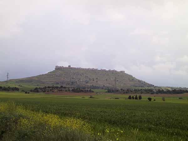 Tafelberg met te herkennen kasteel