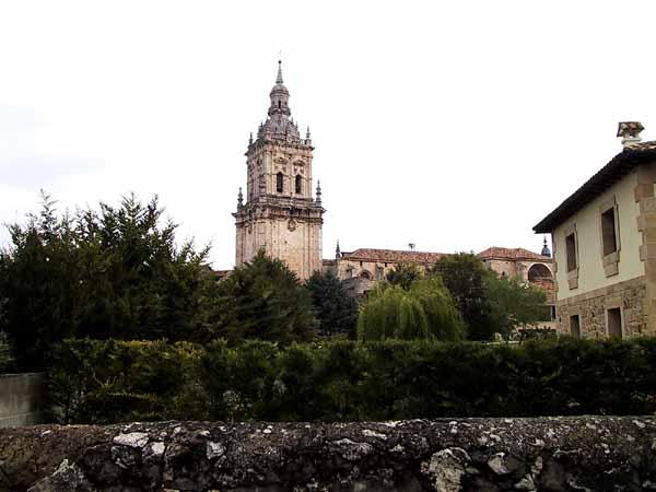 Rijk versierde kerktoren